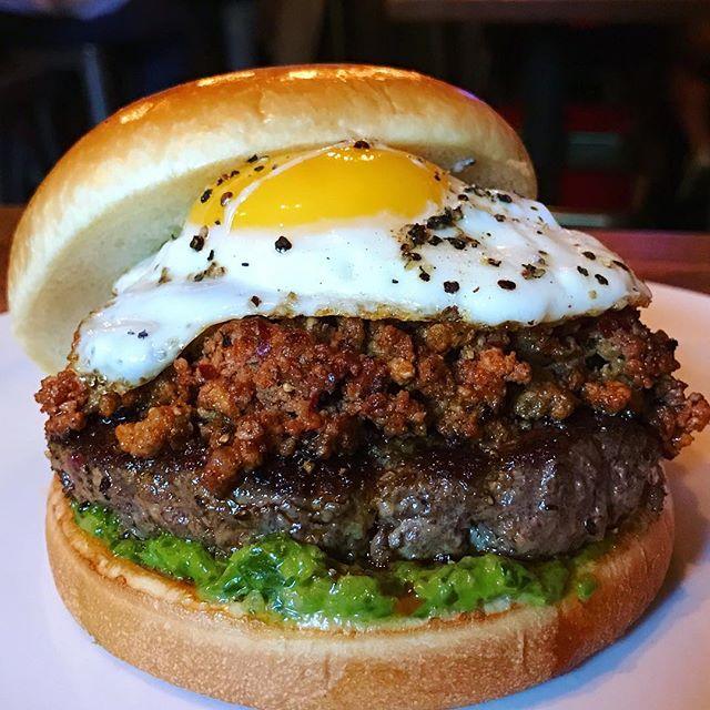 Dempseys-Burger-Pub35.jpg
