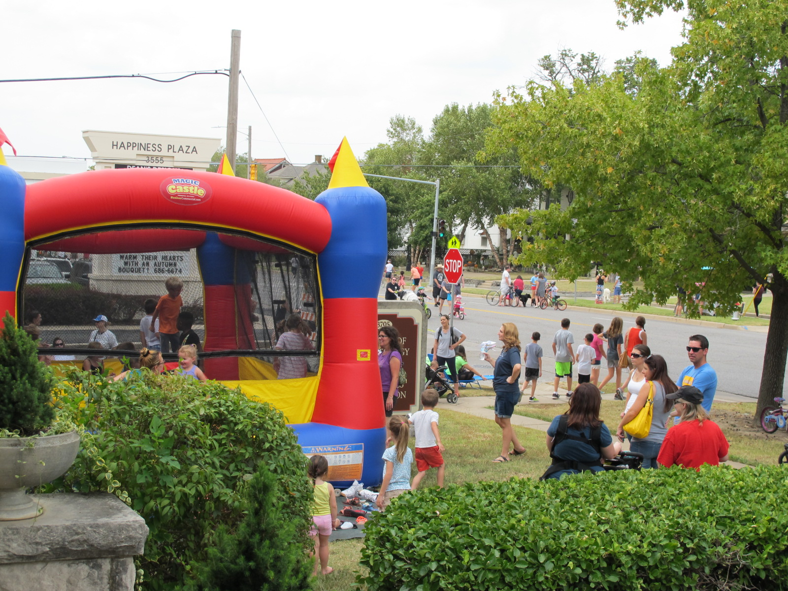 Open Street ICT busy bounce  house.JPG