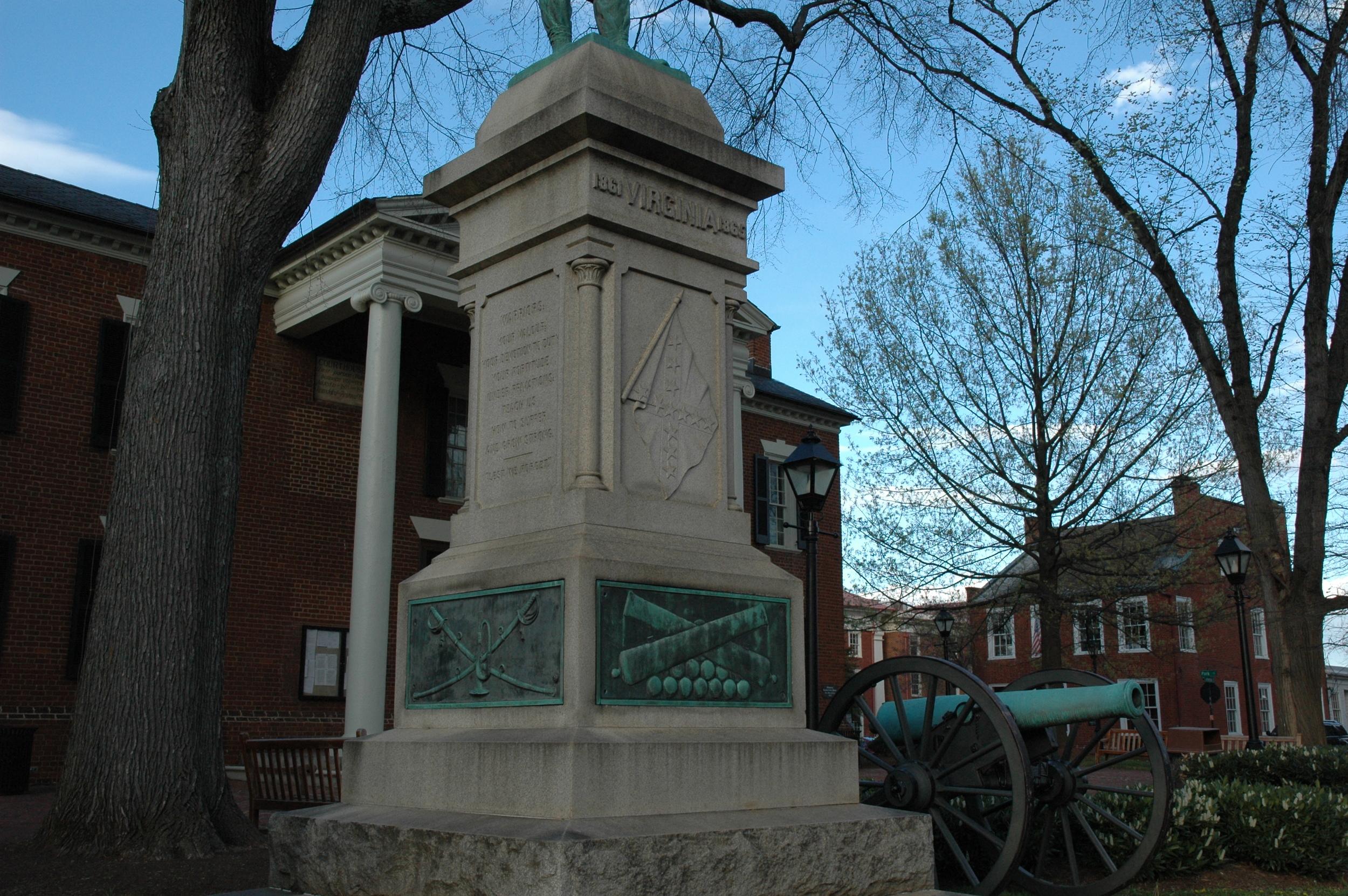 Charlottesville Canon Monument Court Square Statue.JPG
