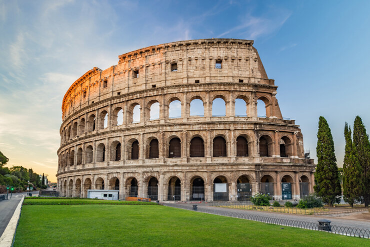 Colosseum-in-the-morning-Rome-Italy.jpg