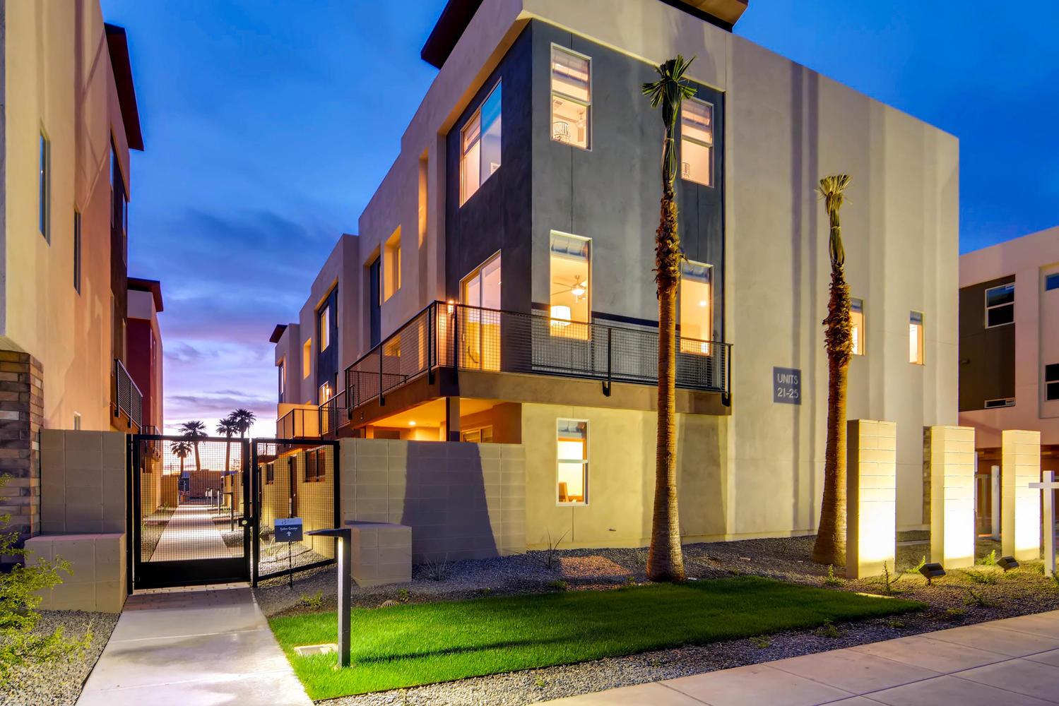 820 N 8th Avenue Phoenix AZ-large-002-3-Exterior Front-1500x1000-72dpi.jpg