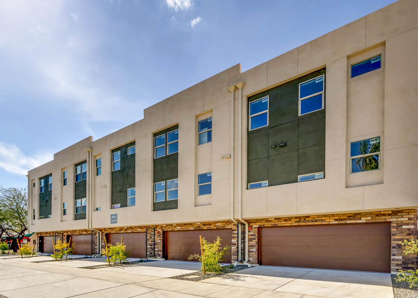 820 N 8th Ave Unit 21 Phoenix-large-065-68-Exterior Rear-1401x1000-72dpi.jpg