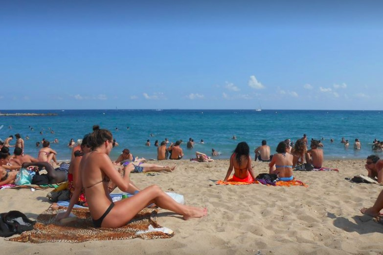 thumbnail_Main Beach - Barcelona.jpg