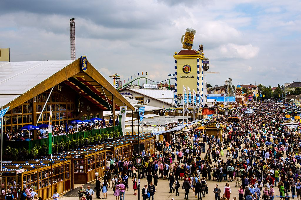 Oktoberfest in full swing  (Picture by Heribert Pohl --- Thanks for half a million clicks! from Germering bei München, Bayern [CC BY-SA 2.0 (http://creativecommons.org/licenses/by-sa/2.0)], via Wikimedia Commons)