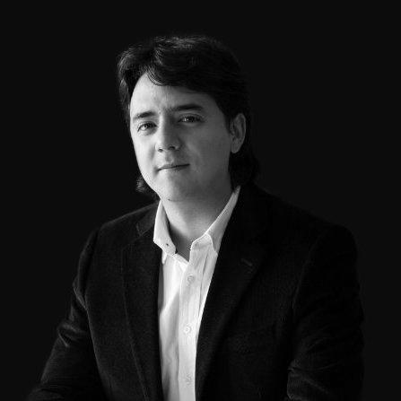 Julián Arango   Julián tiene un master en Behavioral & Economic Science por la Universidad de Warwick. Sus objetivos a corto plazo son aplicar las Ciencias del Comportamiento y el método experimental para abordar desafíos de alto impacto en el sector público y privado usando métodos y/o diseños no intuitivos, a bajo costo y con resultados que se puedan analizar mediante estadística rigurosa.