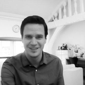 Alejandro Ferrando   Alejandro es un Economista del Comportamiento especializado en la detección y batalla contra la corrupción y en la aplicación de inisghts de comportamiento al mercado laboral. Tiene un master en Behavioural & Experimental Economics por la Universidad de Nottingham y actualmente colabora con el Departamento de Trabaho y Pensiones del Reino Unido. También colabora como investigador en el Centro de Investigación de la Corrupción en Budapest (CRCB).