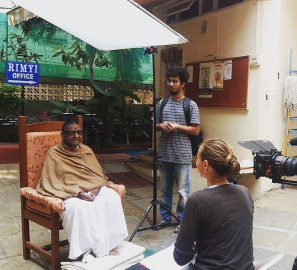 Tatyanna interviewing Geeta Iyengar at the Ramamani Iyengar Memorial Institute, Pune