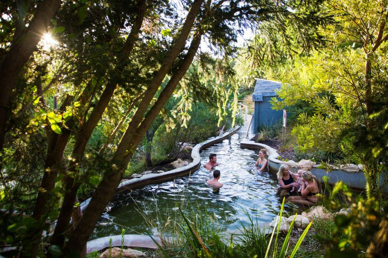 Peninsula-Hot-Springs-Bath-House-bathing-800x533.jpg