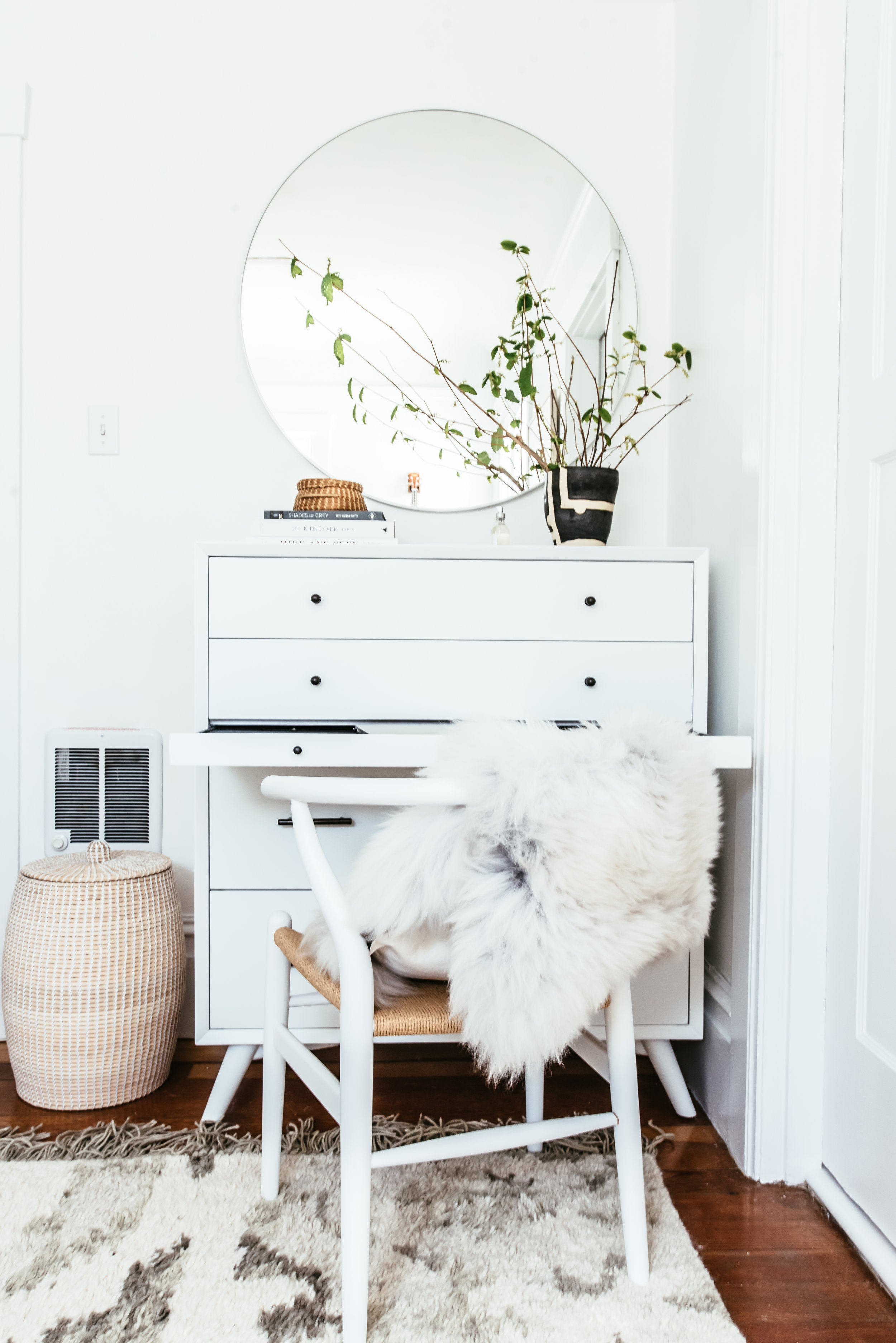 nicole-bedroom-makeover-6.jpg