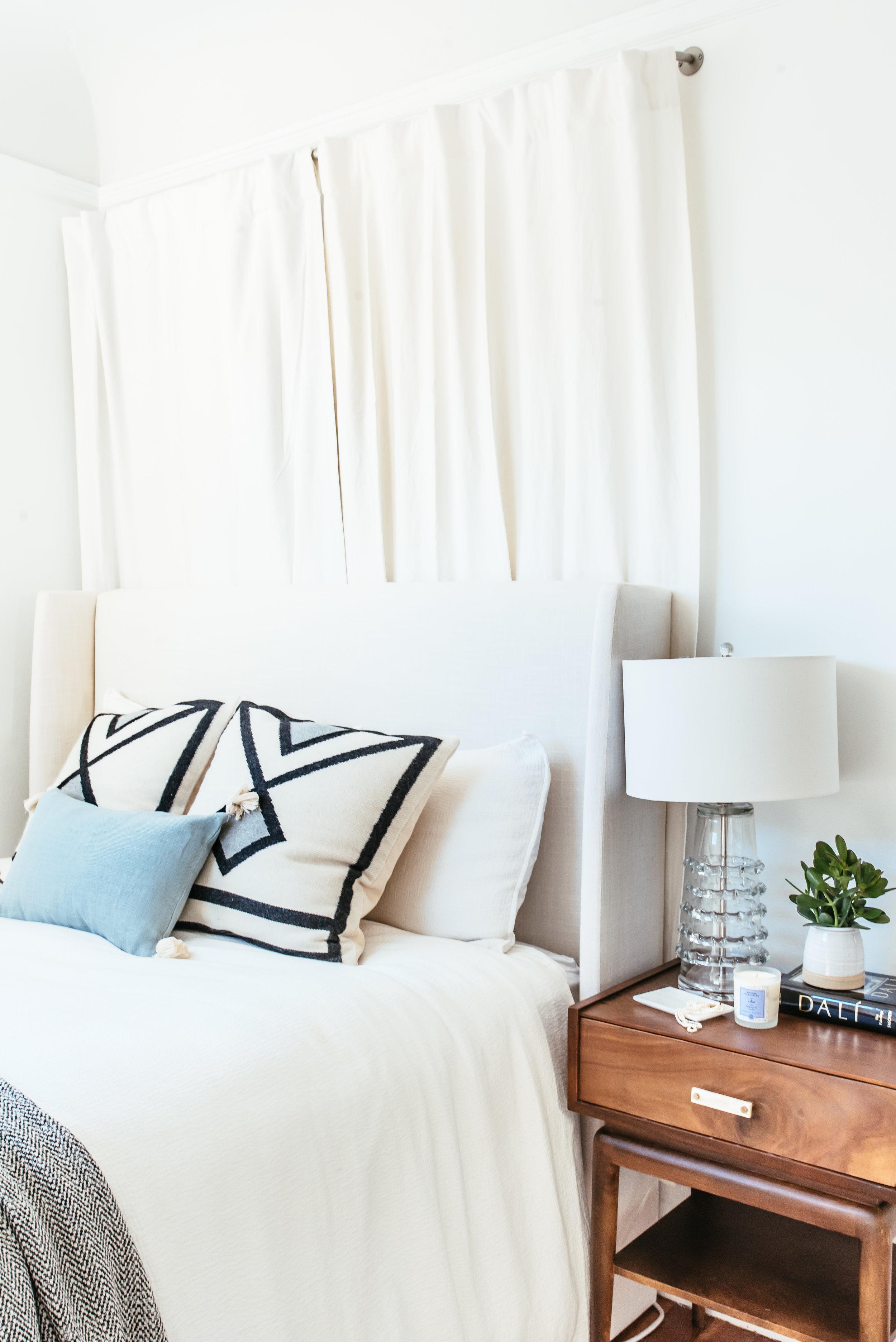 nicole-bedroom-makeover-24.jpg