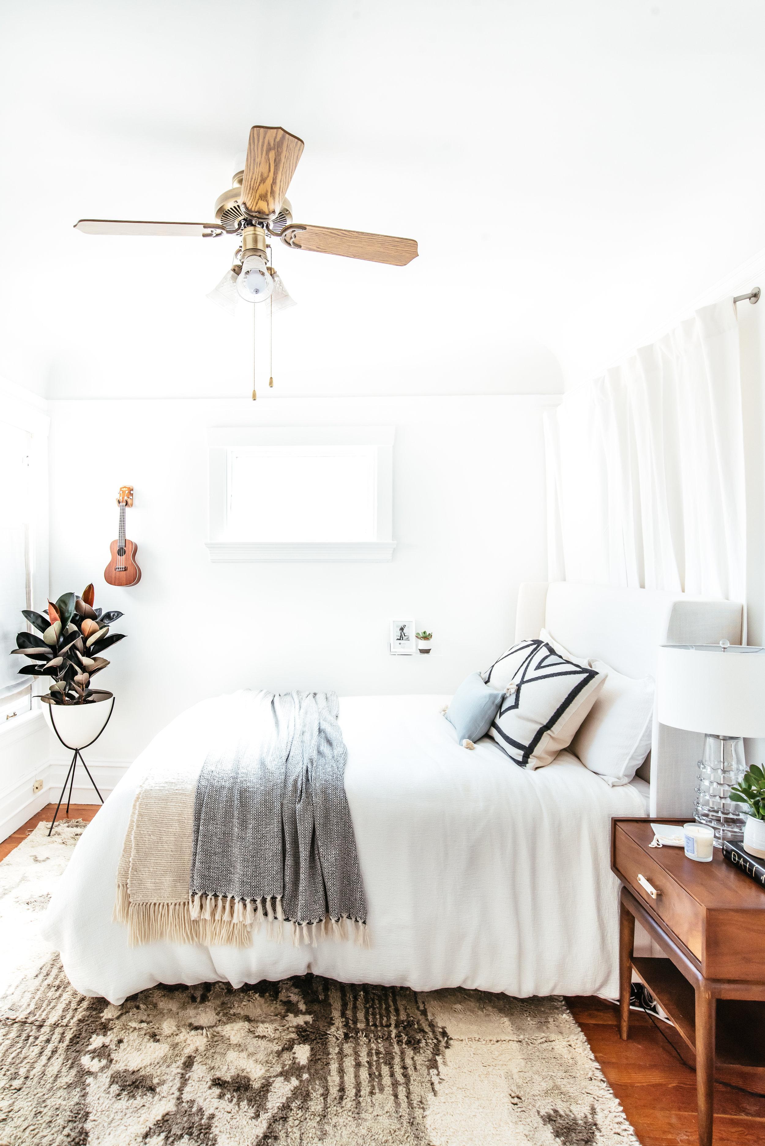 nicole-bedroom-makeover-26.jpg