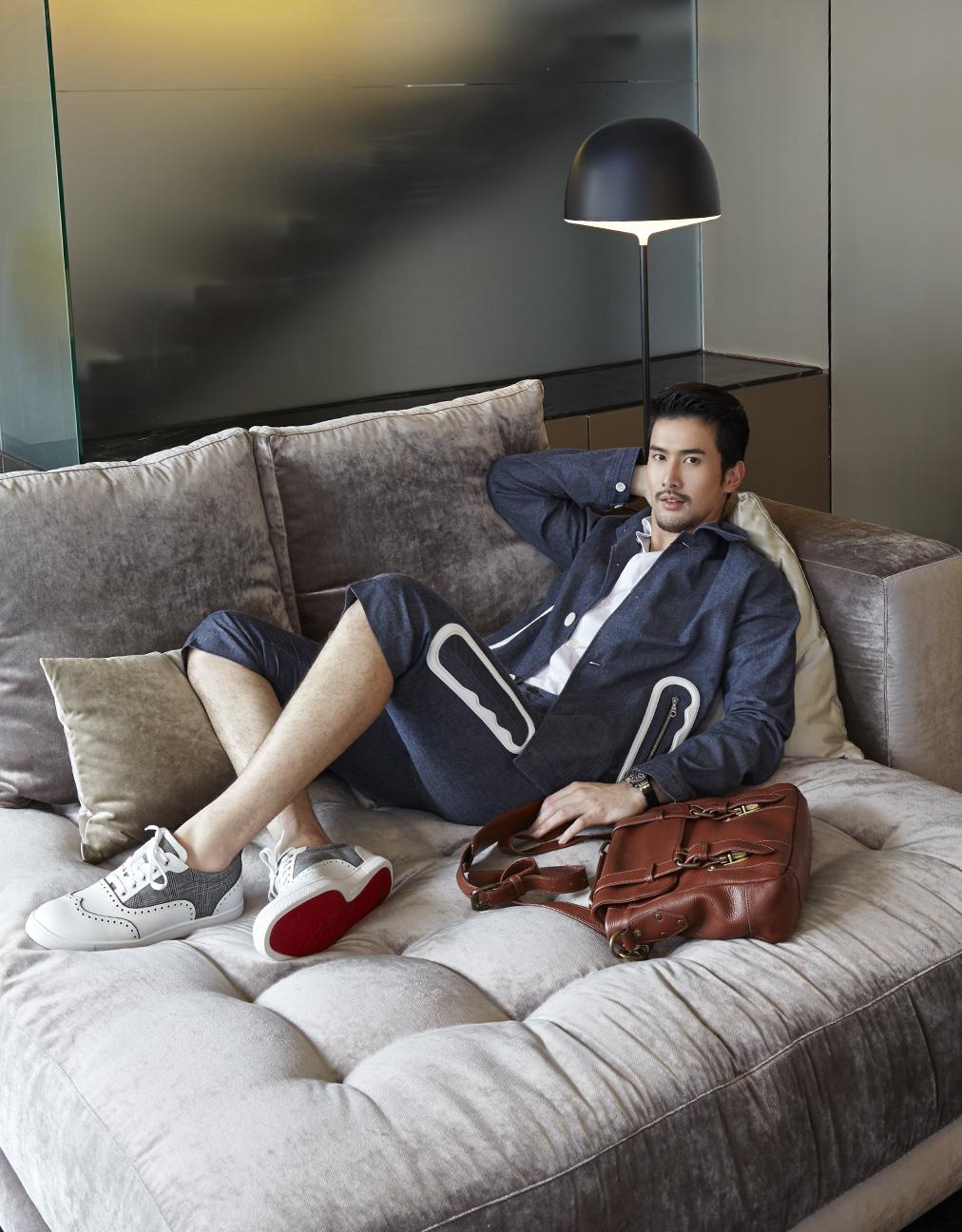 Model : Thee Wanichnunthatada @theetada Clothes : KENZO / Bag : TADA bag @tadabag  Shoes : Christian Louboutin Showroom : LIM 941 Sukhumvit 51 tel 0-2662-6376