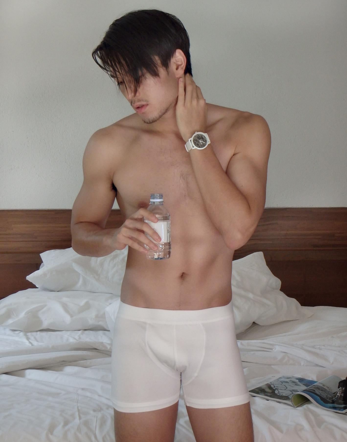 underwear : NOXX / watch : FORREST