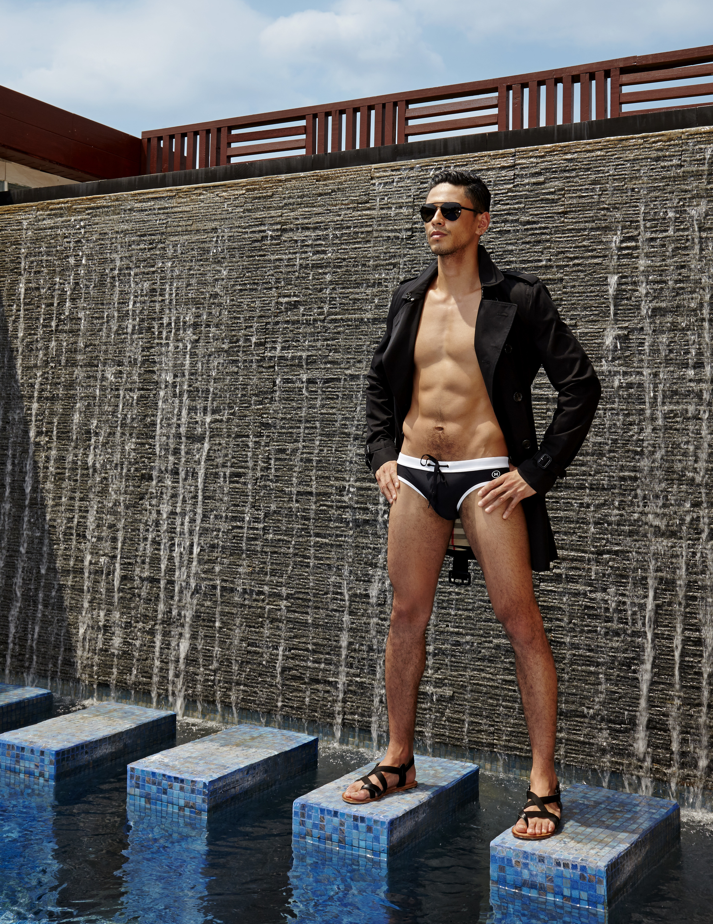 Male : Trench Coat : BURBERRY / sunglasses : PRADA / swimwear : NOXX