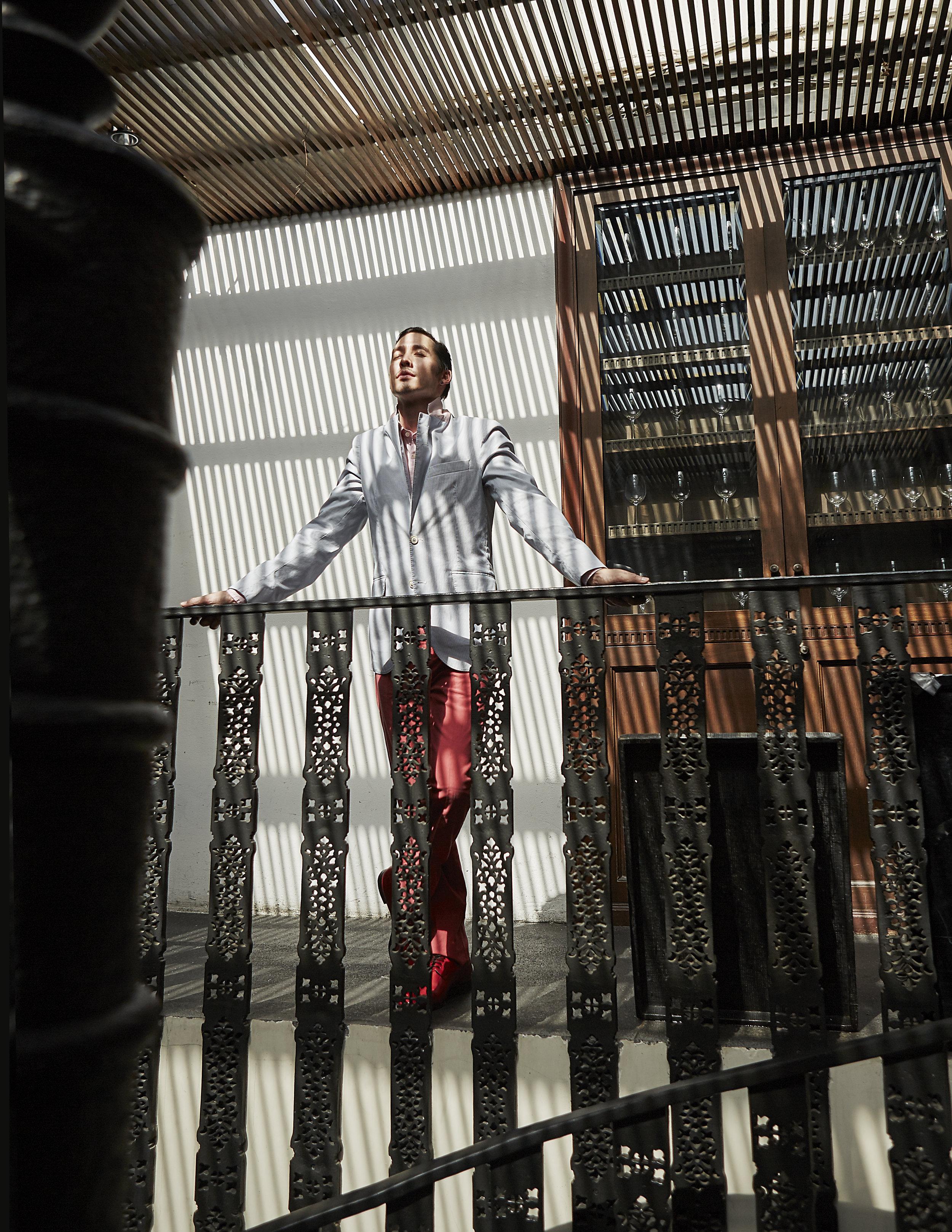 clothes : Hackett London / shoes : Christian Louboutin