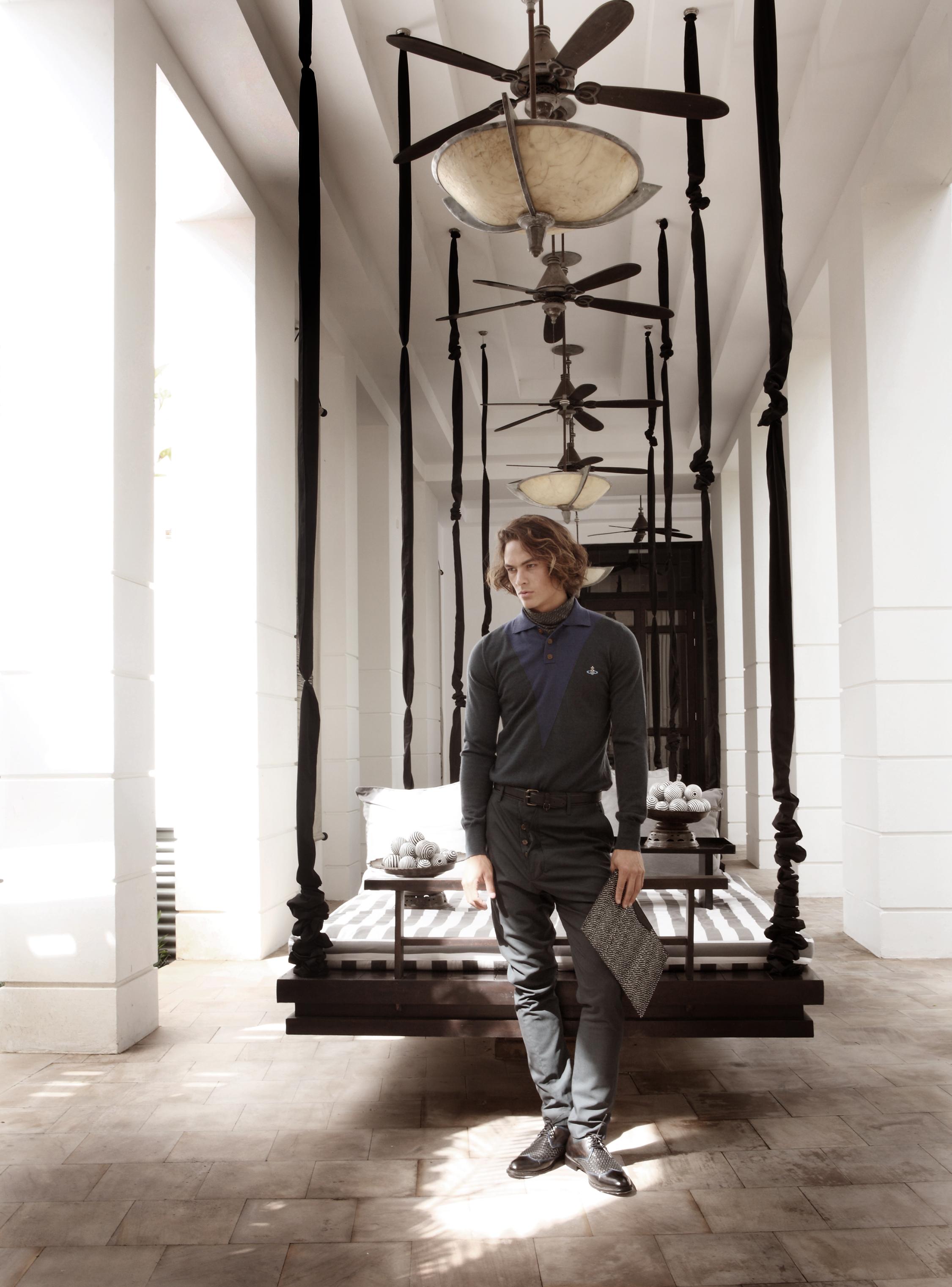 Park Hyatt Siem Reap /clothes : Vivienne Westwood / shoes and clutch : TANGO