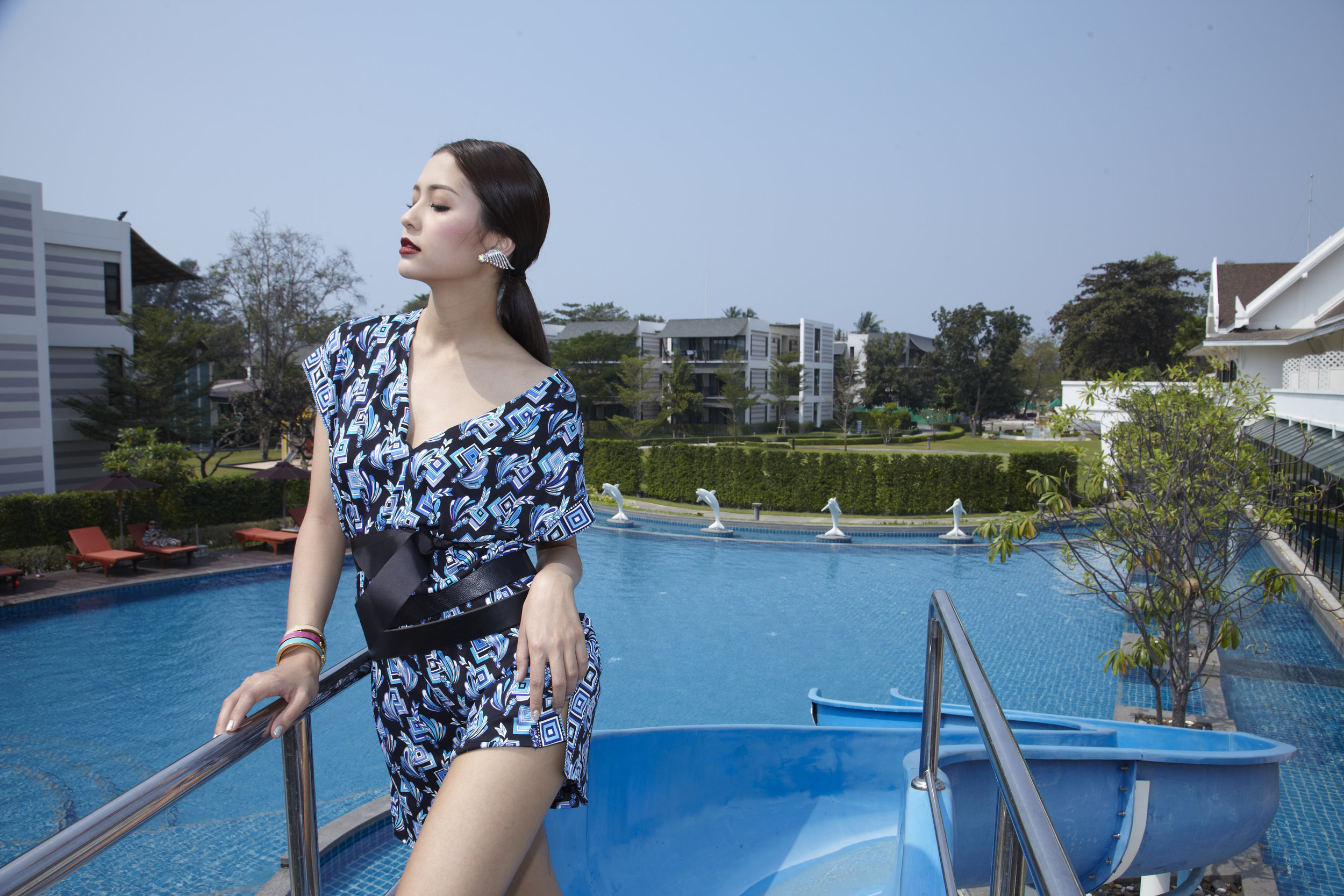 Actress : Marie Broenner @marie_broenner  Clothes : Emilio Pucci / Bracelets : HERMES  Location :Bangsaen Heritage Hotel