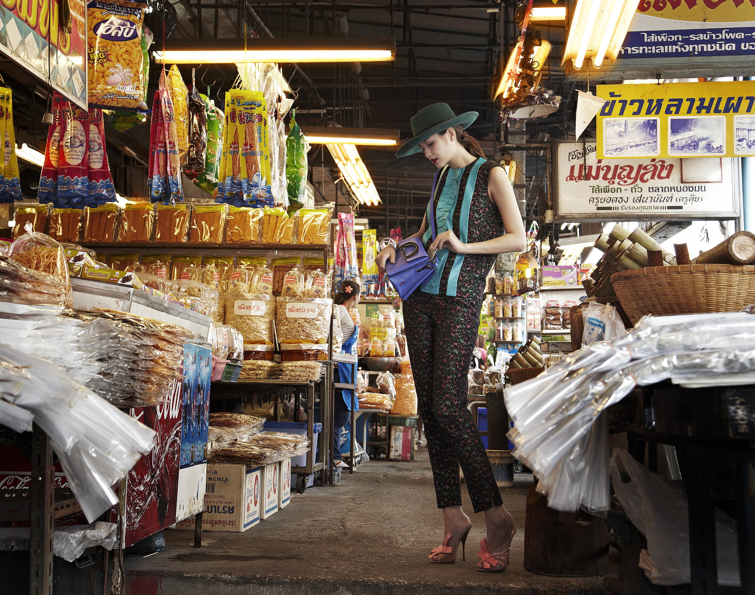 Actress : Marie Broenner @marie_broenner  Clothes and Shoes : Miu Miu / Bag : Christian Louboutin  Location : ตลาดหนองมน