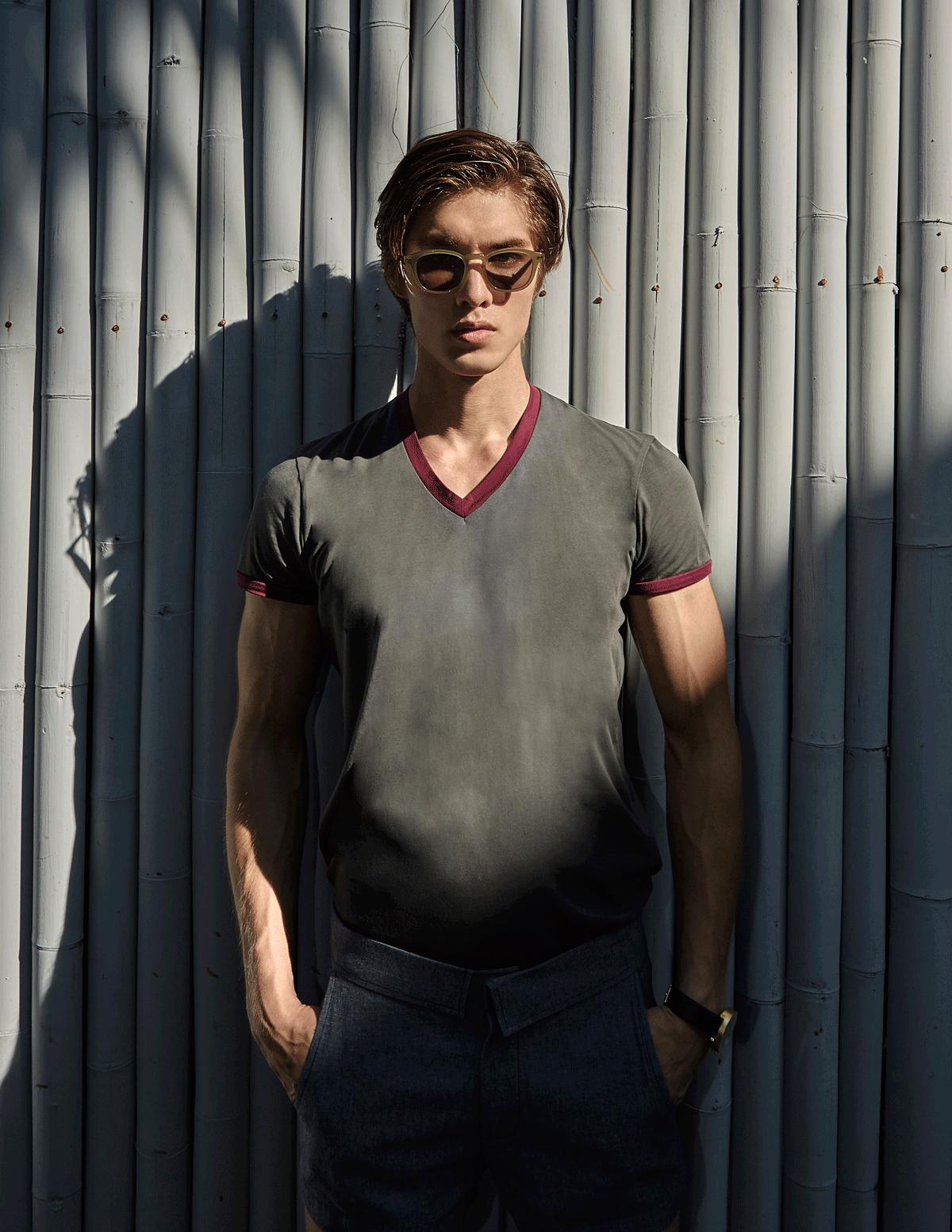 T shirt : NOXX wear / sunglasses : Boston Club