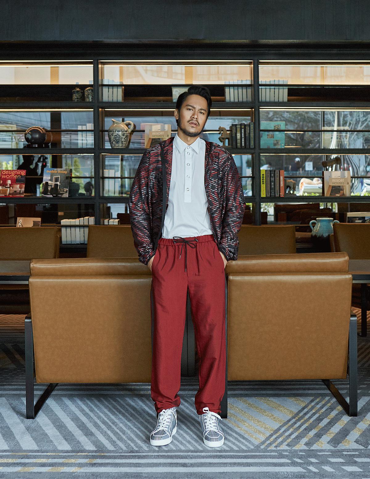jacket and pants : Emporio Armani / shirt : Calvin Klien Platinum / shoes : Christian Louboutin