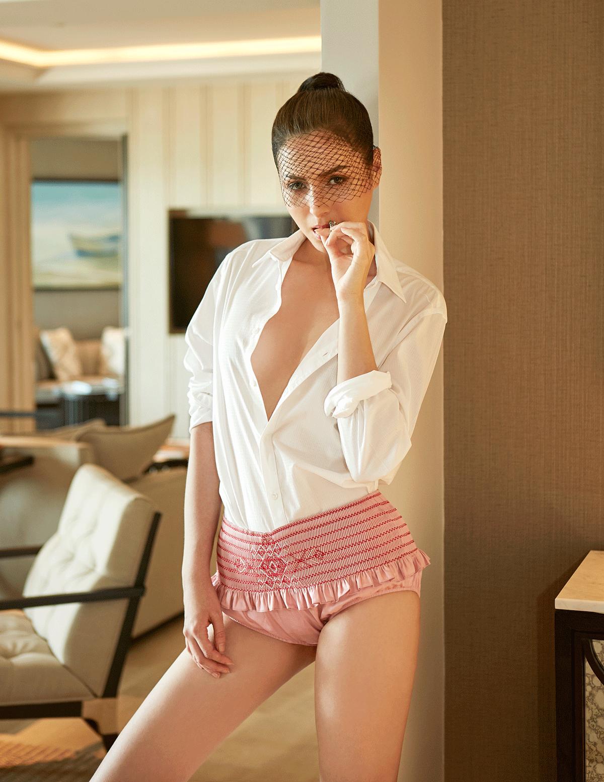 shorts : MIU MIU