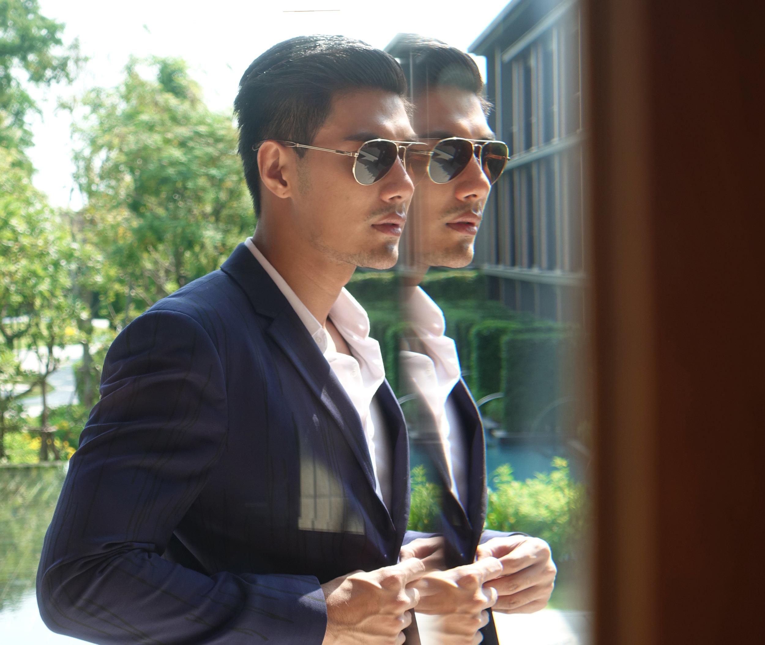 clothes : Calvin Klein Platinum / sunglasses : TAVAT