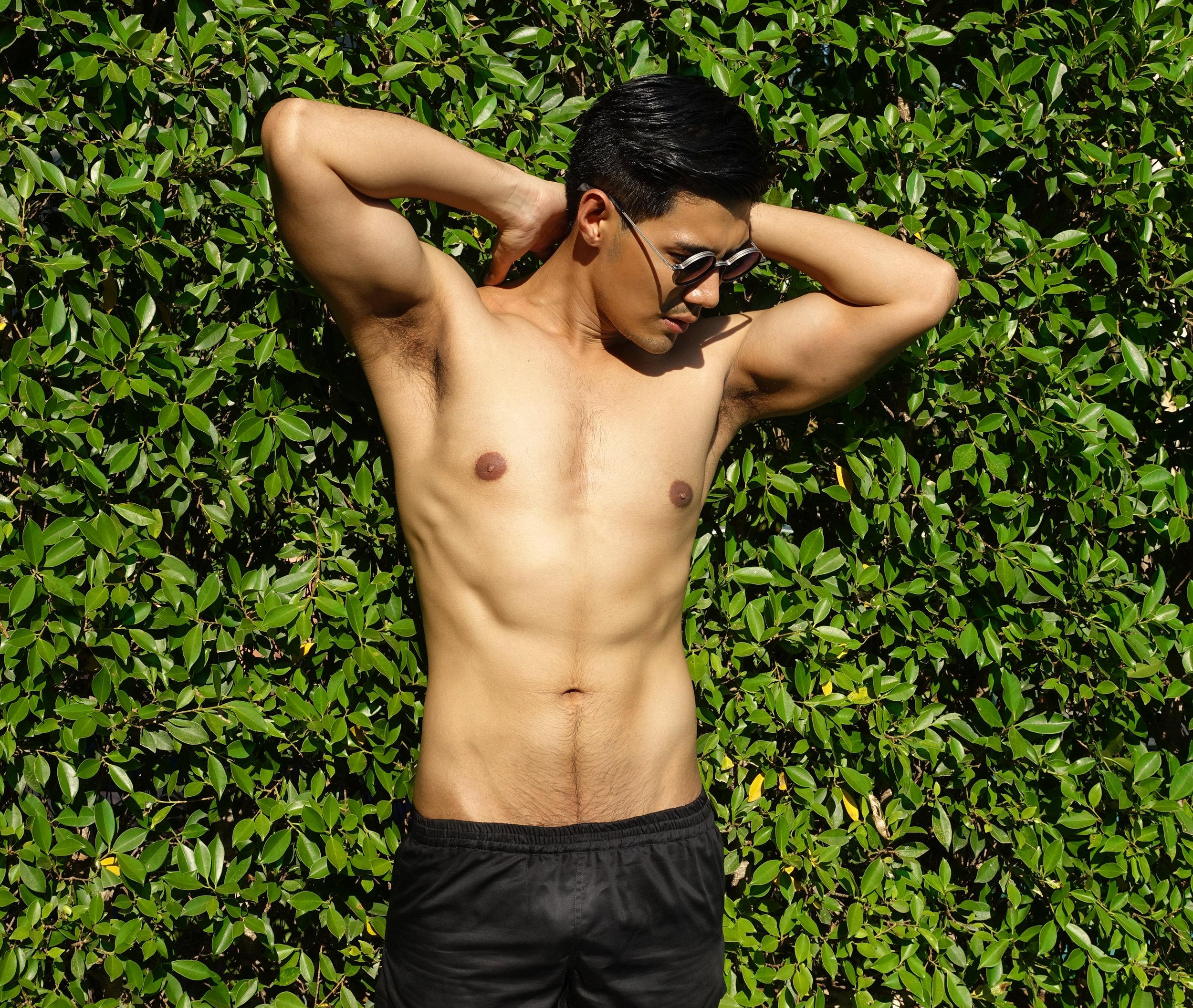 sunglasses : TAVAT / shorts : SARIT