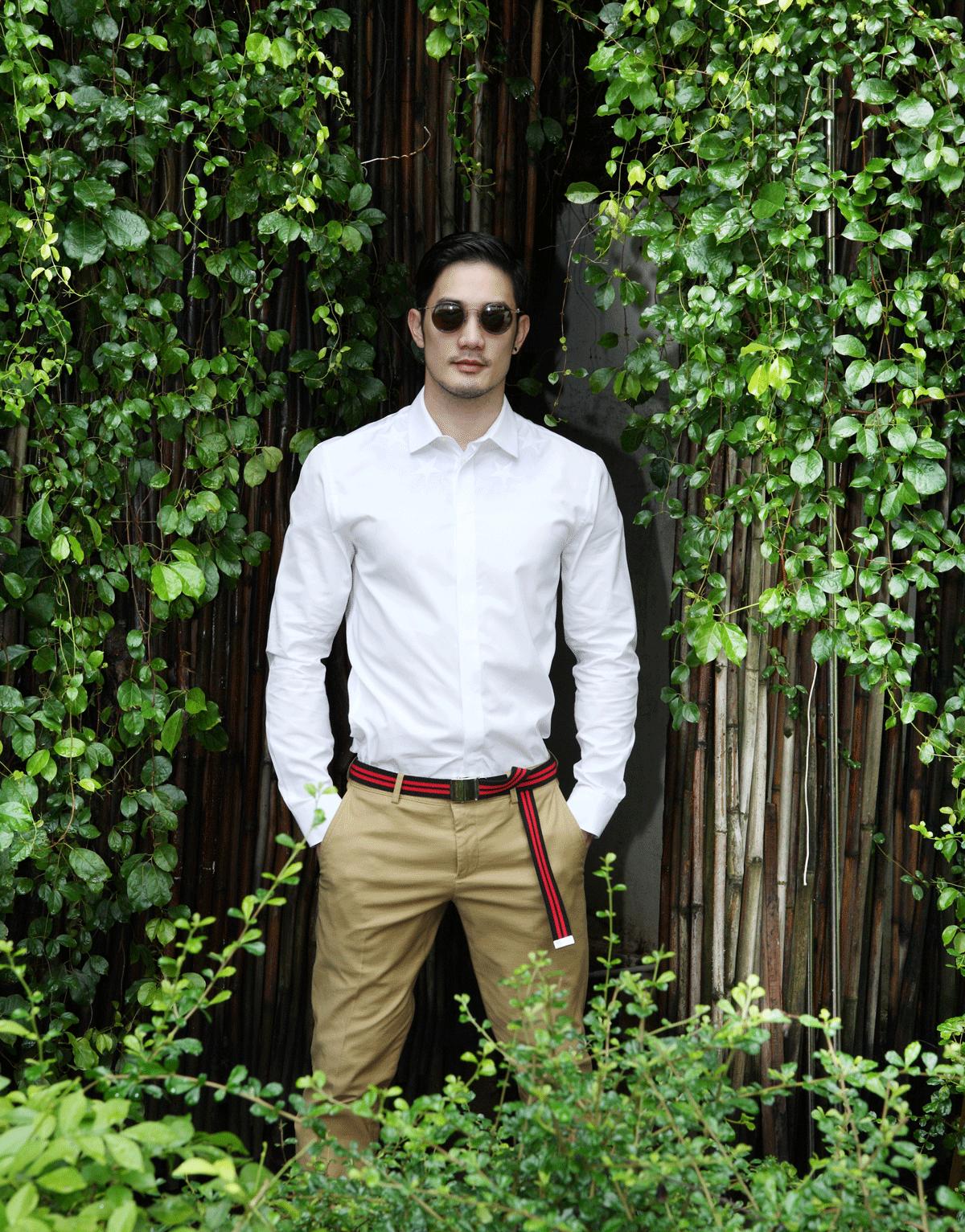 shirt : GIVENCHY / pants : JBB* / sunglasses : TAVAT