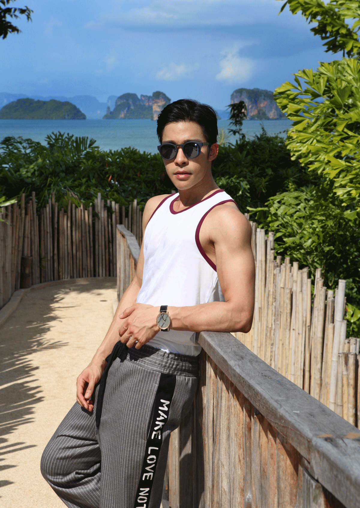 tank top : NOXX wear / pants : Everyday Km Km / sunglasses : GLAZZIQ / watch : FORREST