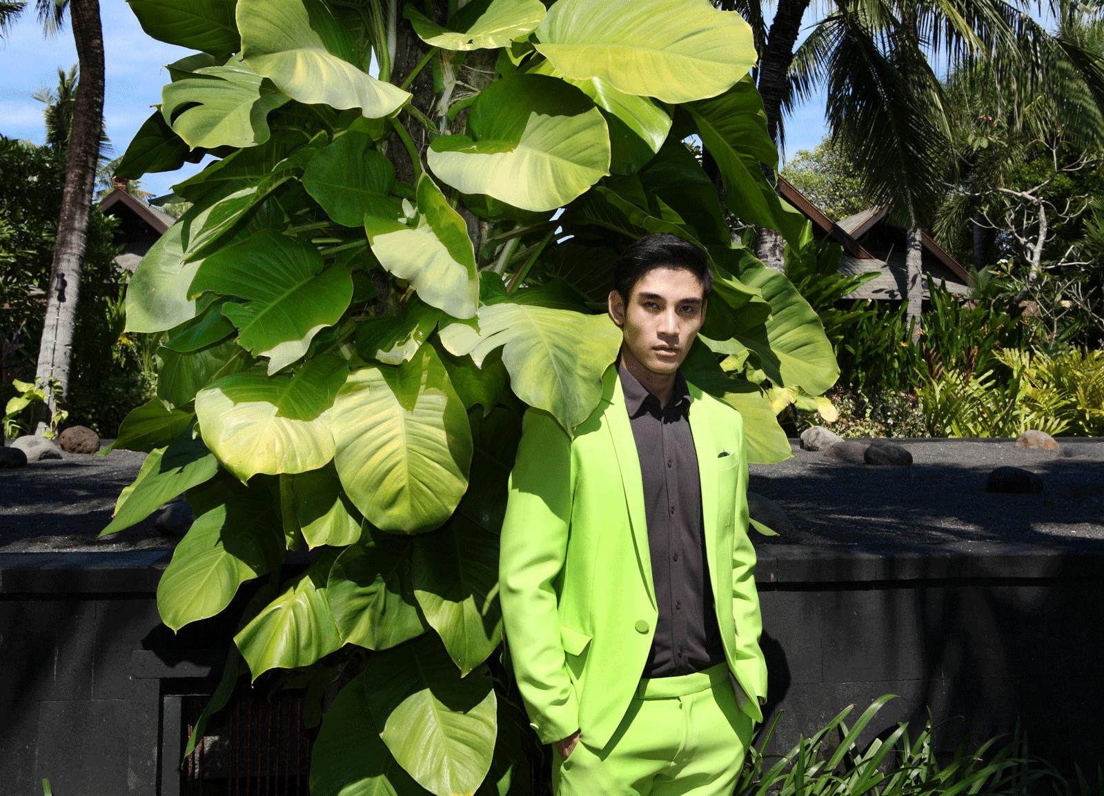 clothes : SARIT / watch : Calvin Klein minimal