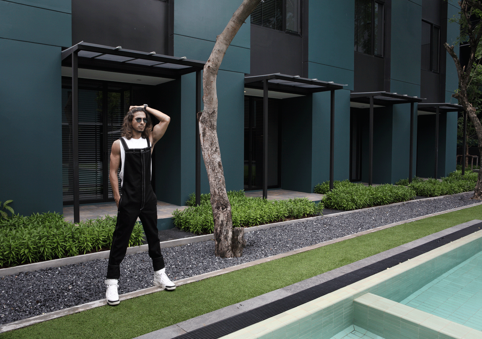 jeans and shoes : GIVENCHY / tshirt : SARIT / sunglasses : TAVAT  watch : Hamilton Intra-Matic 68