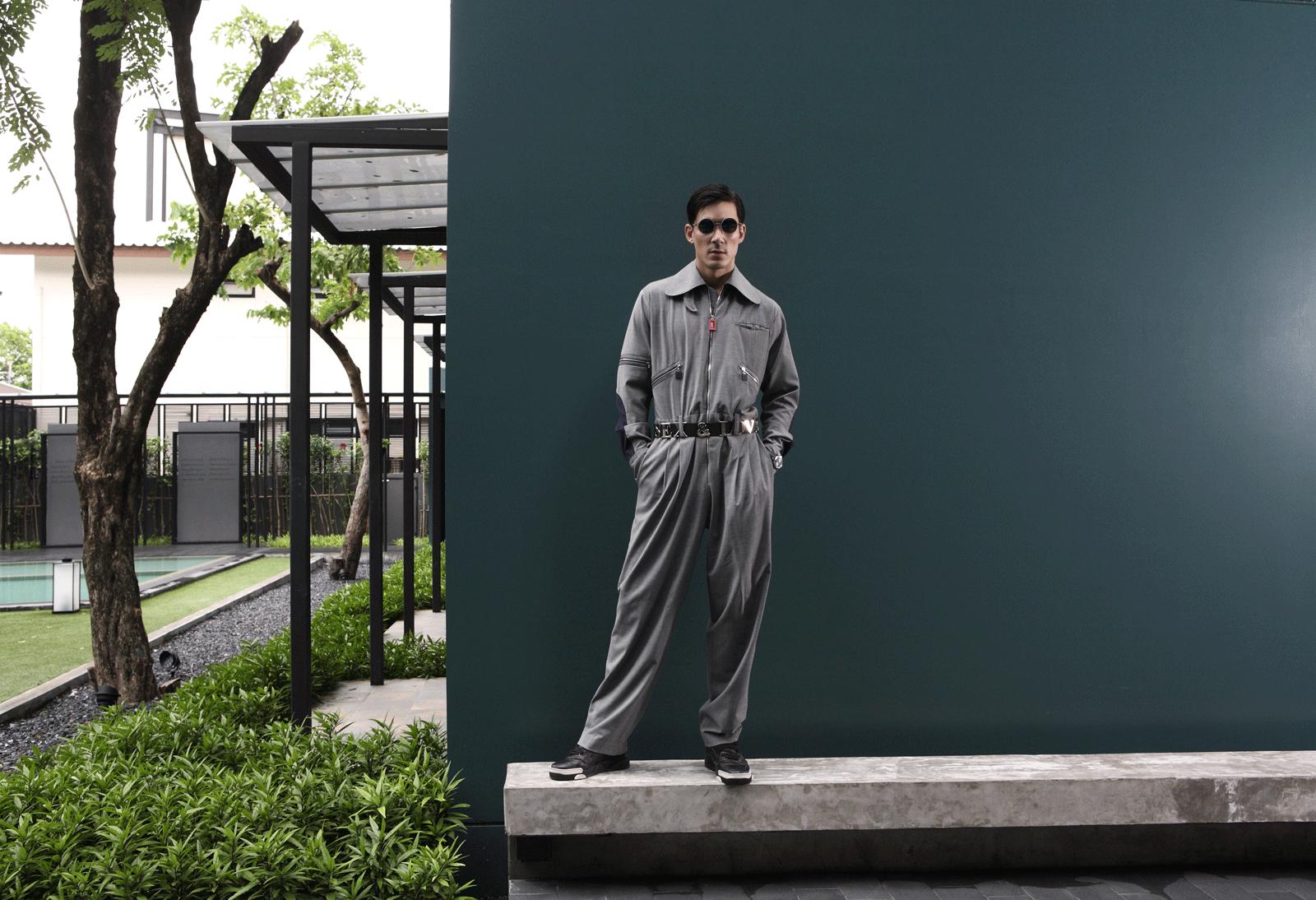 clothes : Everyday Karmakamet / sunglasses : TAVAT