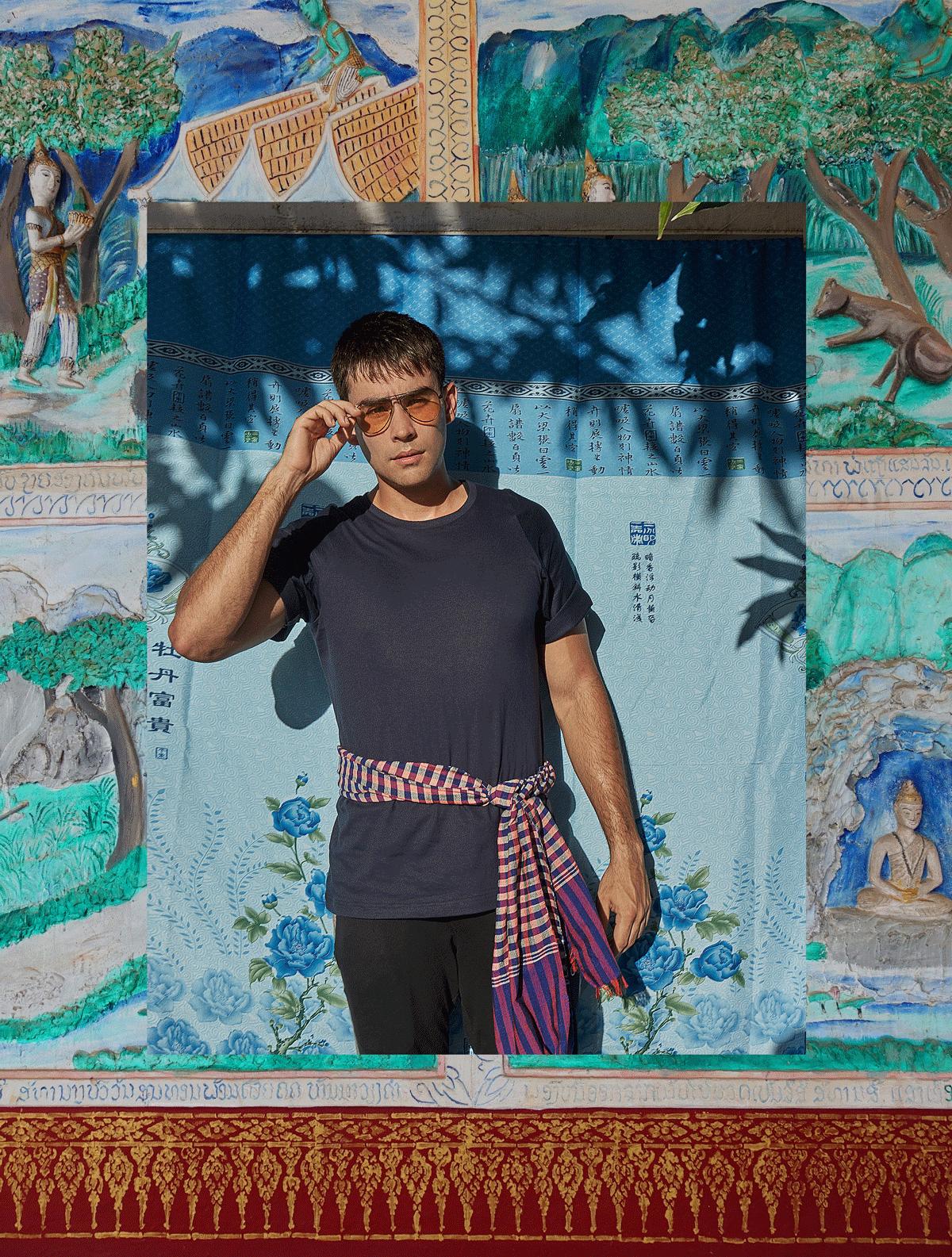 Tshirt : SARIT / pants : gingko / sunglasses : Tavat eyewear