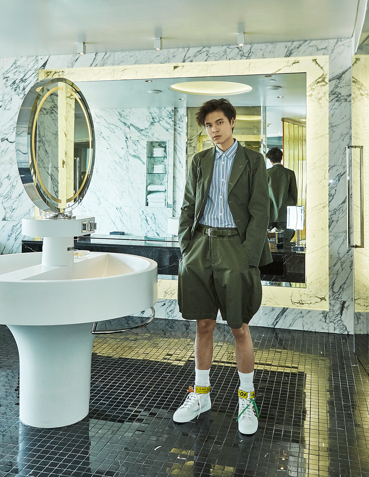 clothes : COMME des GARCONS / sneakers : Off White