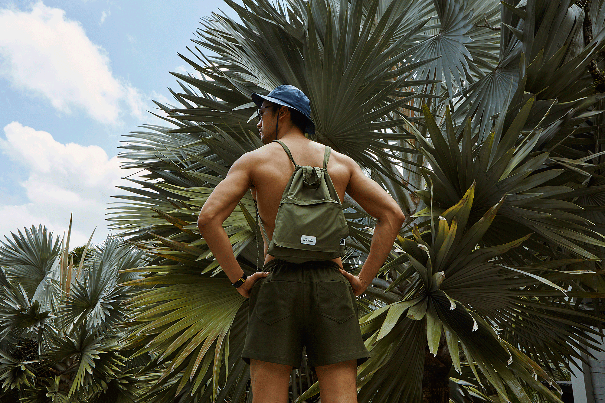 hat / bag / shorts : Painkiller / watch : FORREST / sunglasses : TAVAT