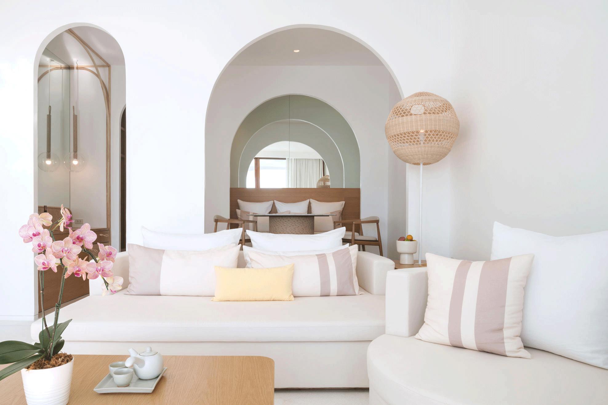 SALA-Room-1BedroomPoolSuite-09.png