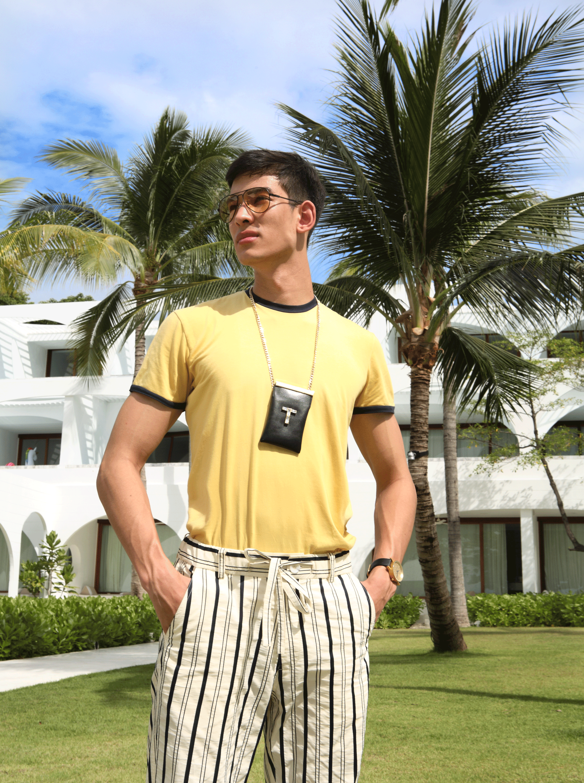 tshirt : NOXX / pants : SARIT / sunglasses : TAVAT / watch : FORREST / bag necklace : 77th