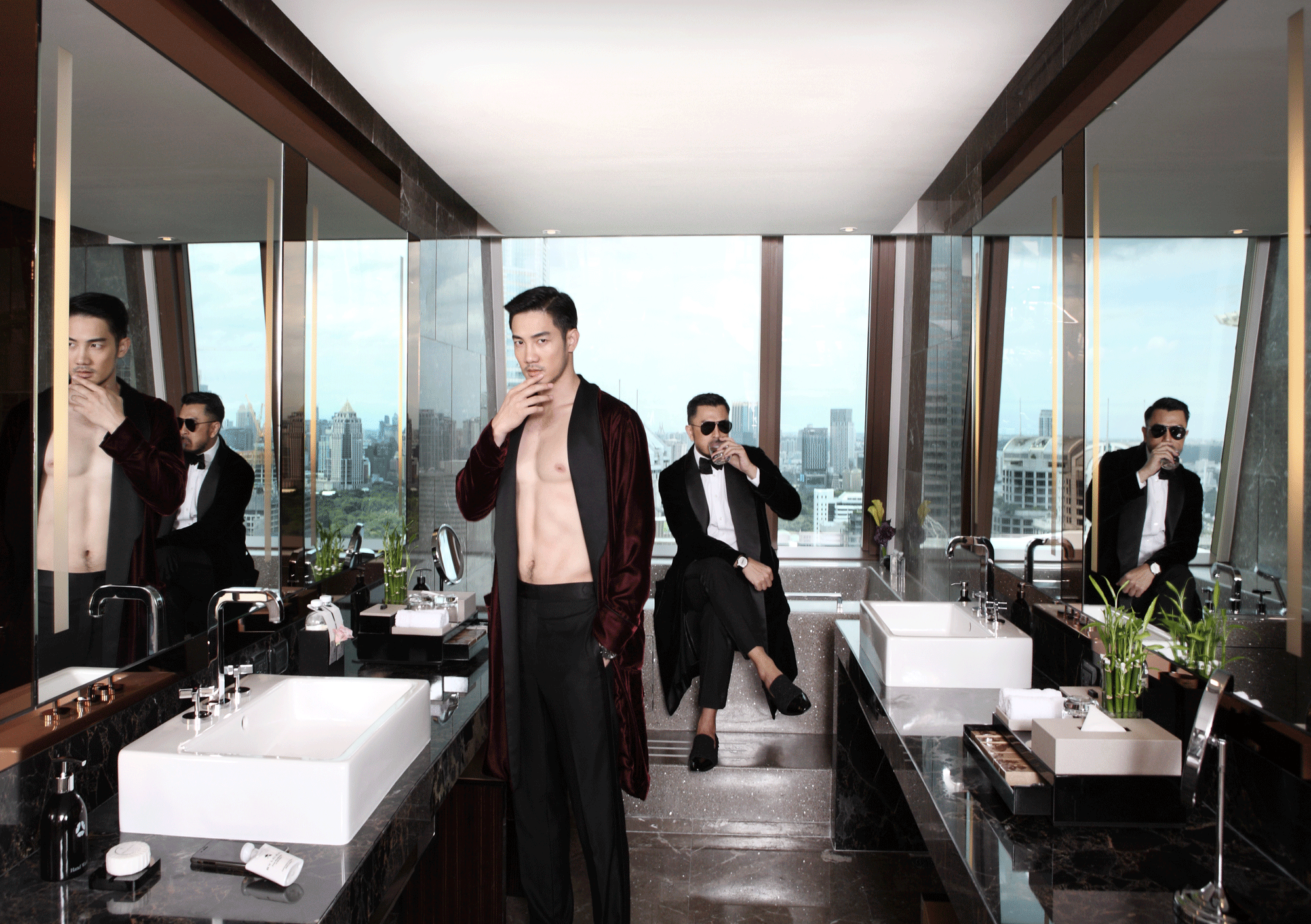 Rangsit ; robe : ASAVA / pants :VVON SUGUNNASIL  Polpat :sunglasses : Alexander McQueen