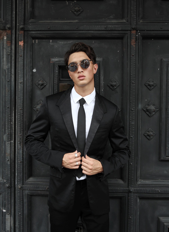 clothes : GIVENCHY / sunglasses : TAVAT