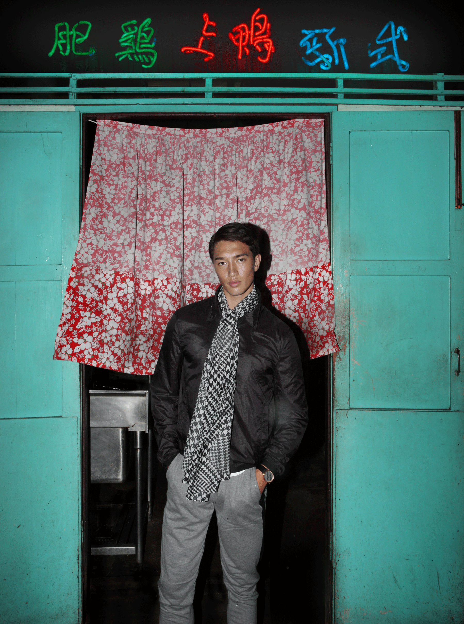 jacket : CK Calvin Klein / pants : NOXX wear / watch : FORREST