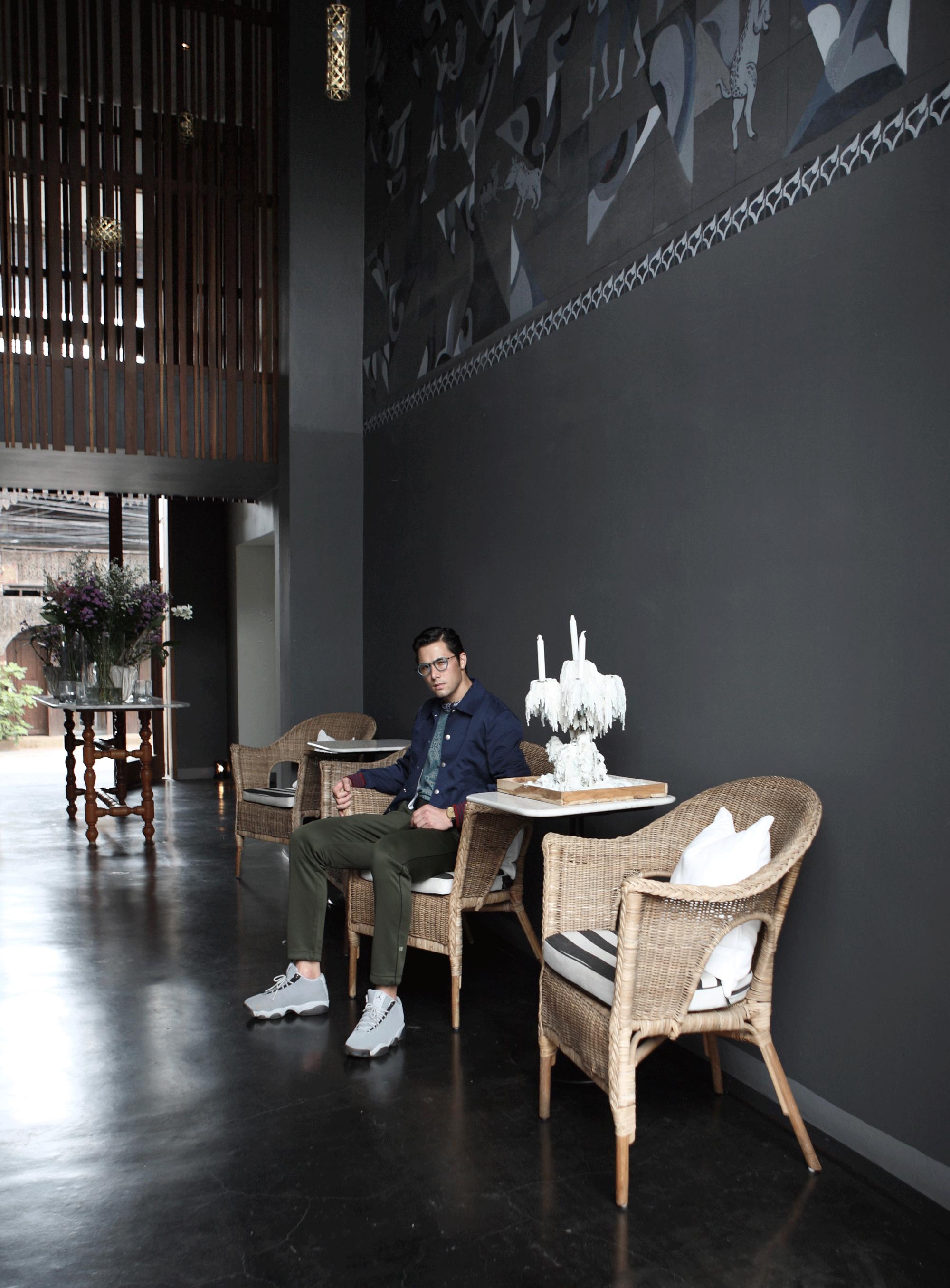 jacket : CK Calvin Klein / watch : FORREST / eyeglasses : TAVAT