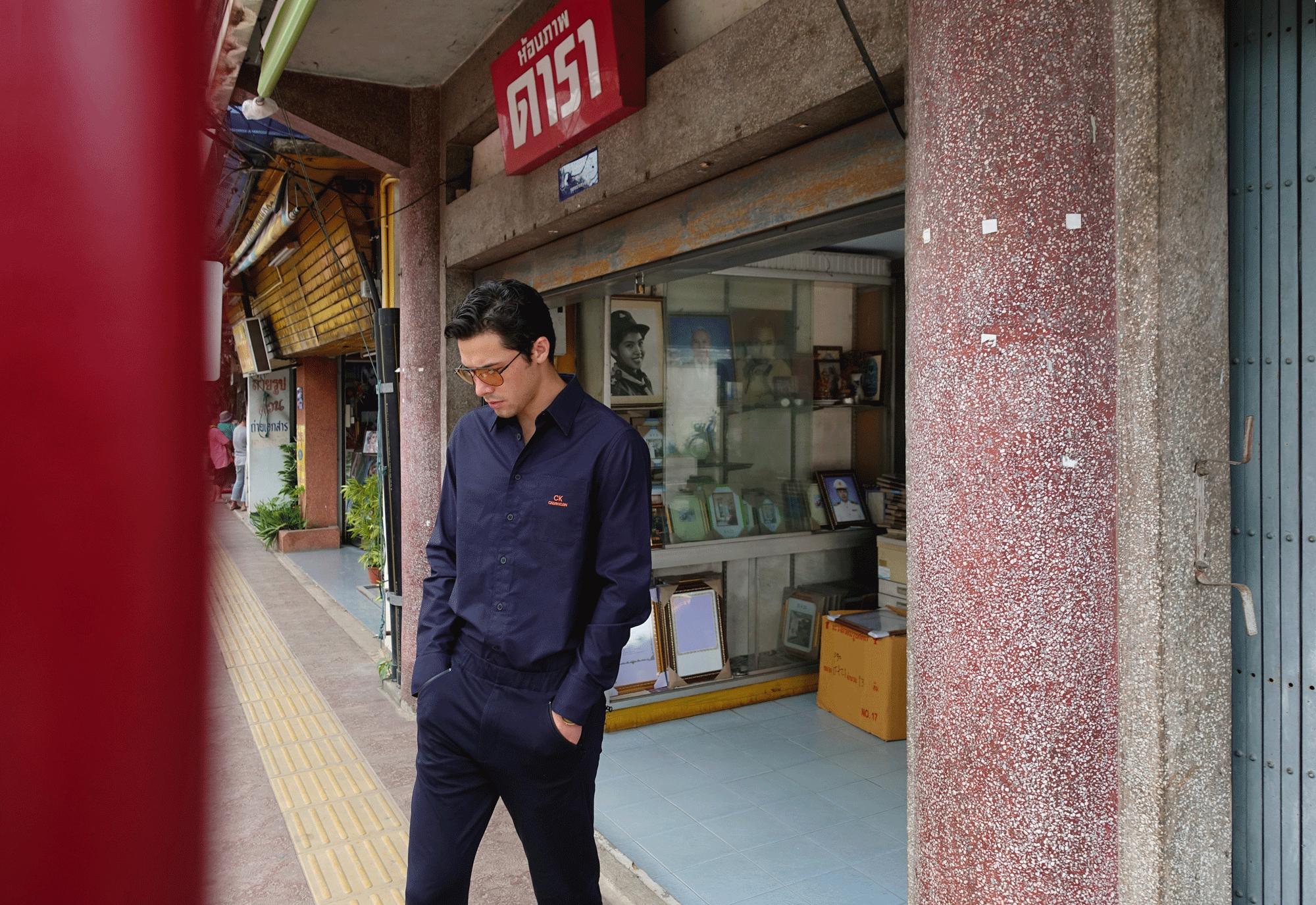 shirt : CK Calvin Klein / sunglasses : TAVAT