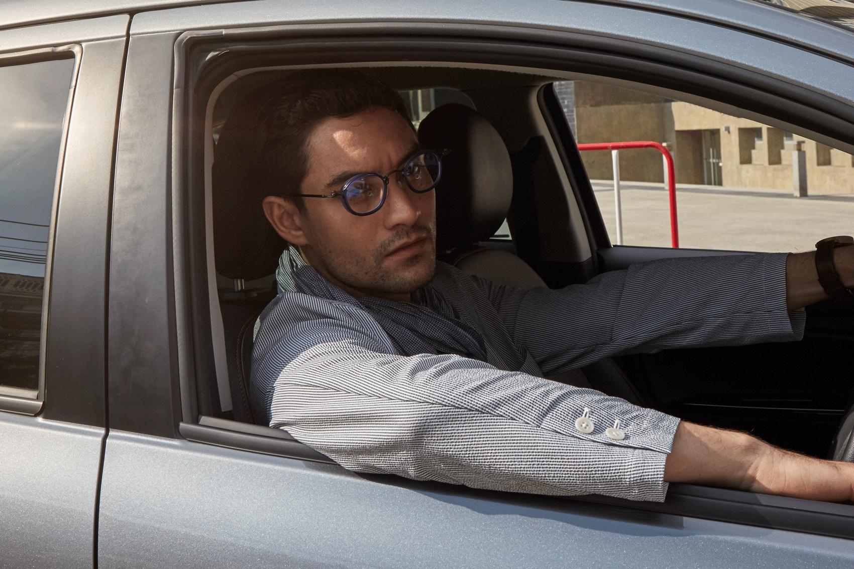car : Mitsubishi NEW Attrage  clothes : MUJI / eyeglasses : TAVAT