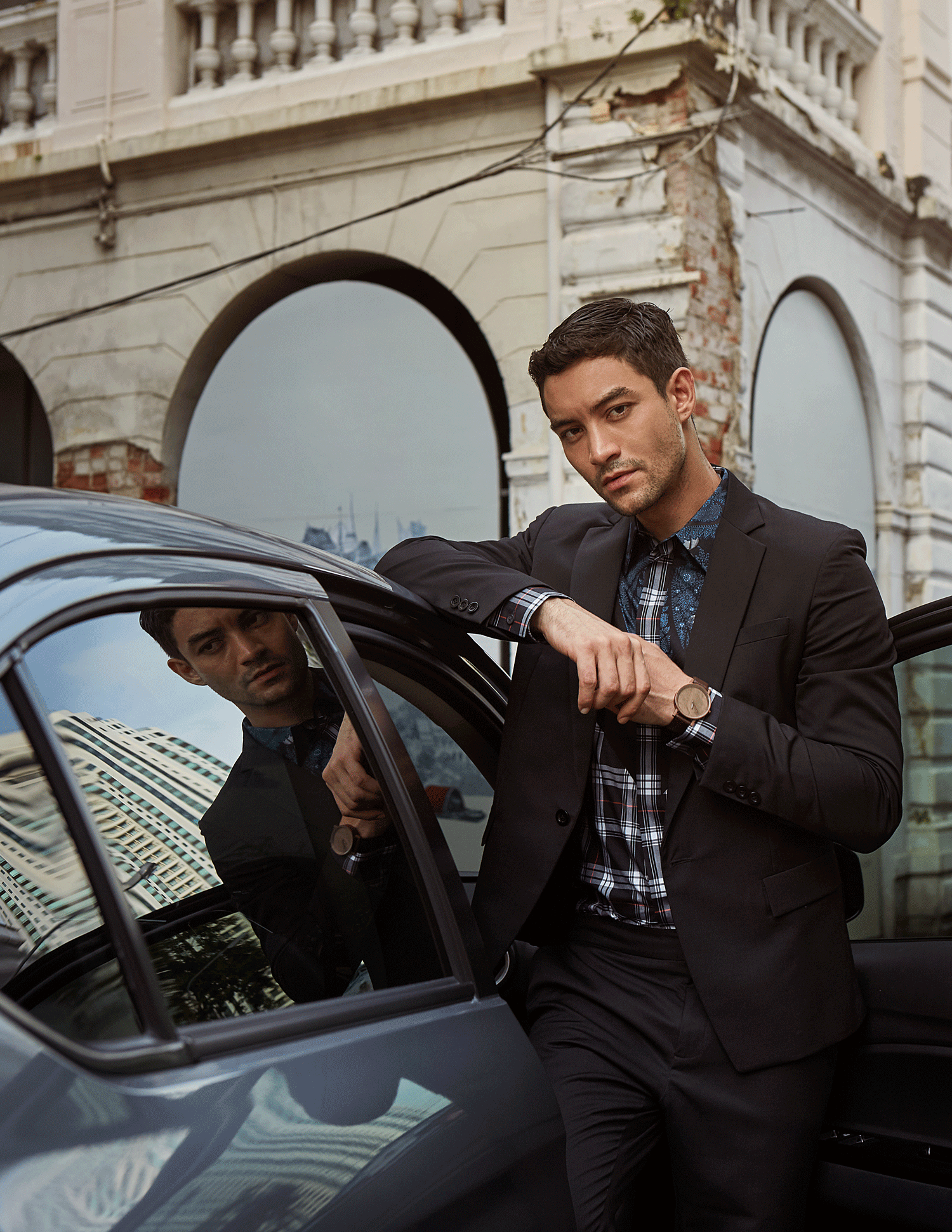 car : Mitsubishi NEW Attrage  suit : SARIT / shirt : GIVENCHY / watch : FORREST