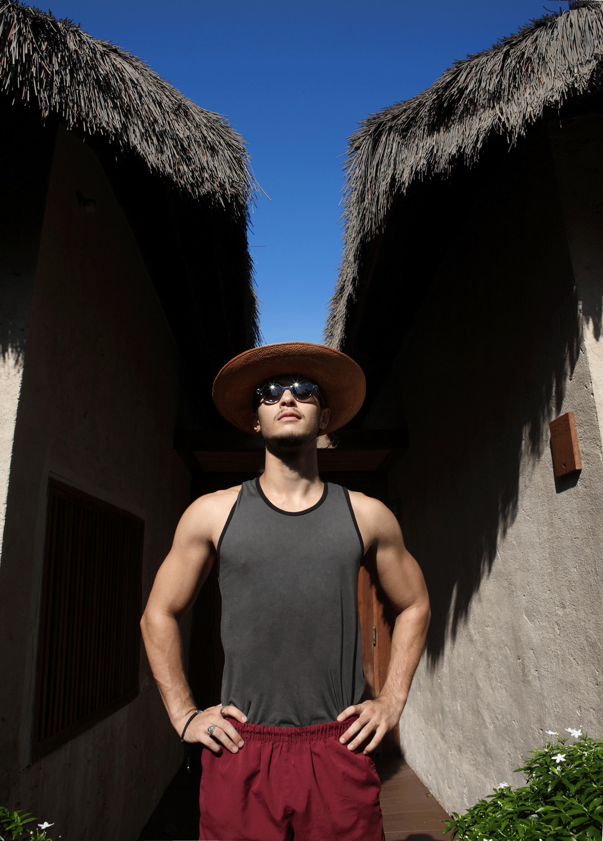 tanktop : NOXX wear / hat : Famosa Andina / sunglasses : Blake Kuwahara