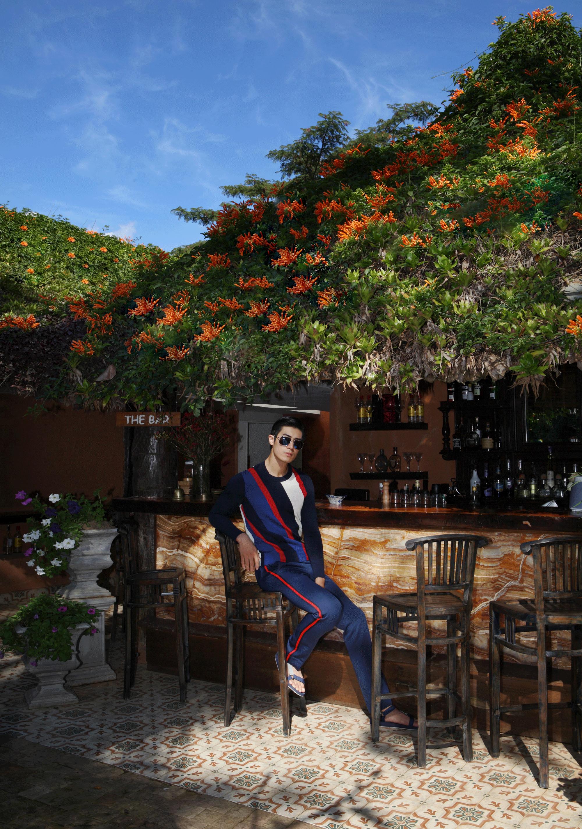 clothes : CK Calvin Klein / sunglasses : TAVAT