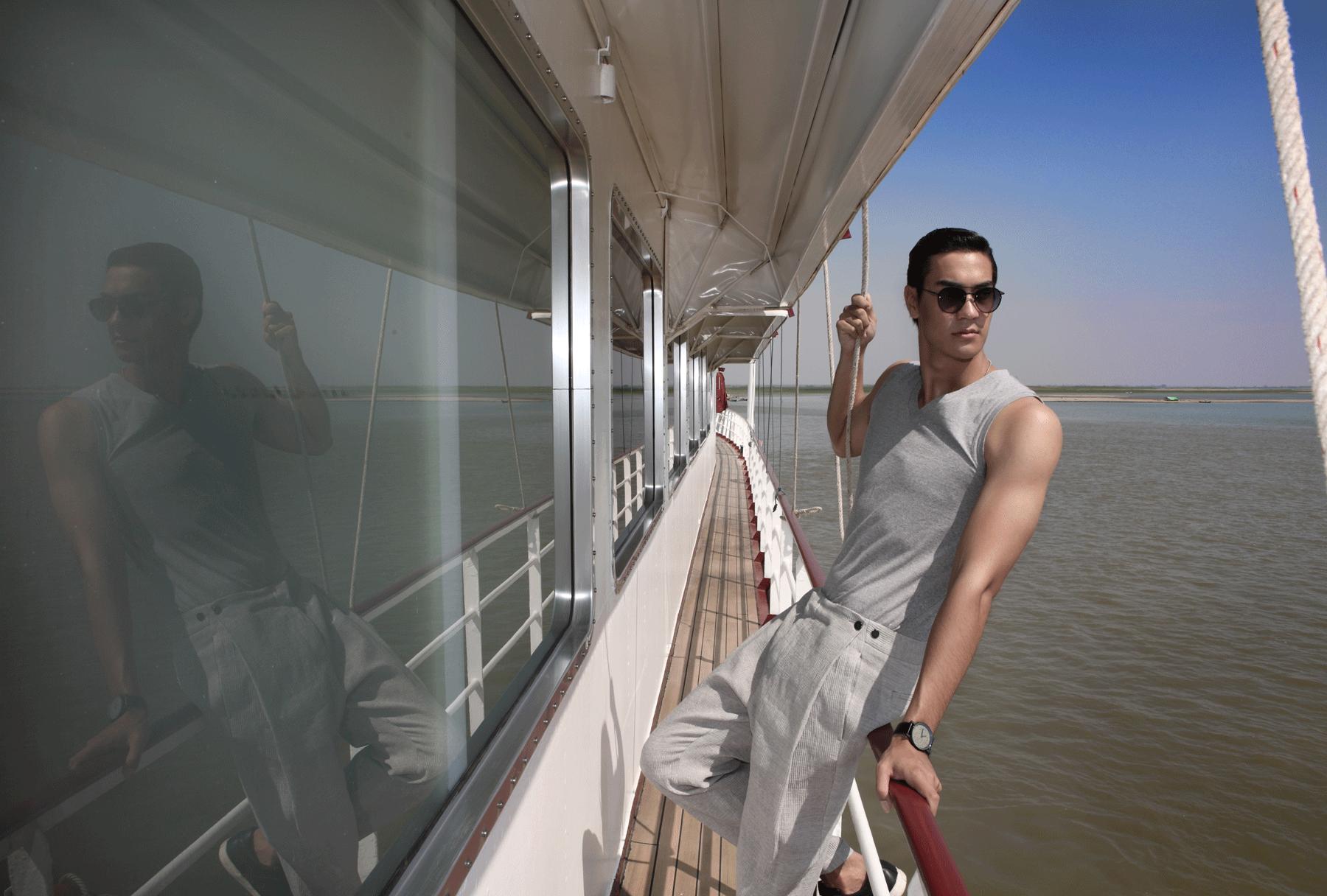 pants : Emporio Armani / tshirt : JOCKEY / watch : FORREST / sunglasses : SPEKTRE