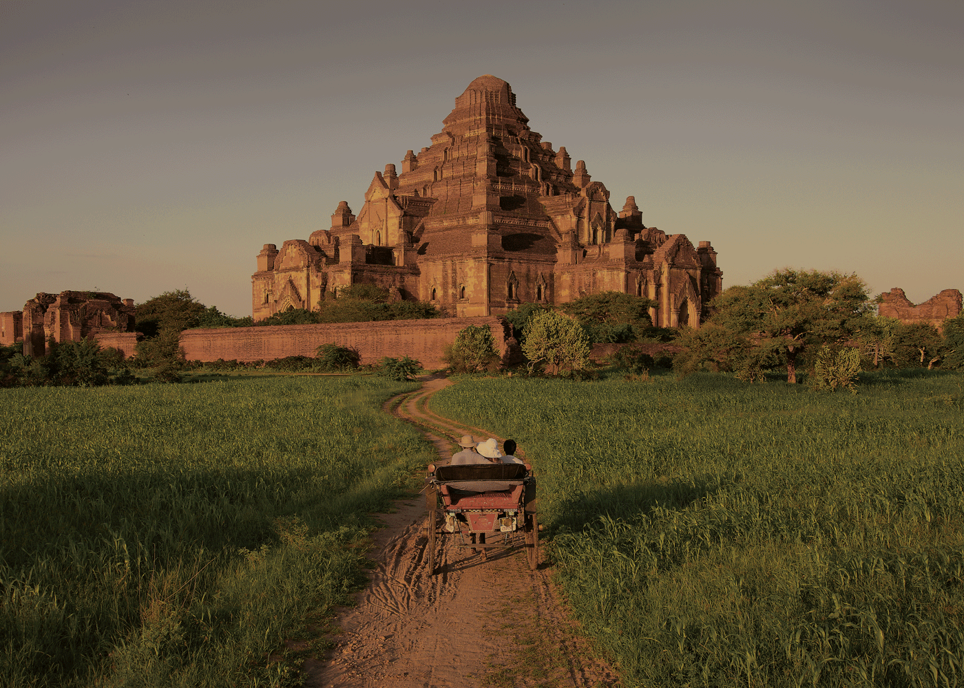 Photo Cr : Belmond Road to Mandalay  Traditional Horse Cart Ride in Bagan