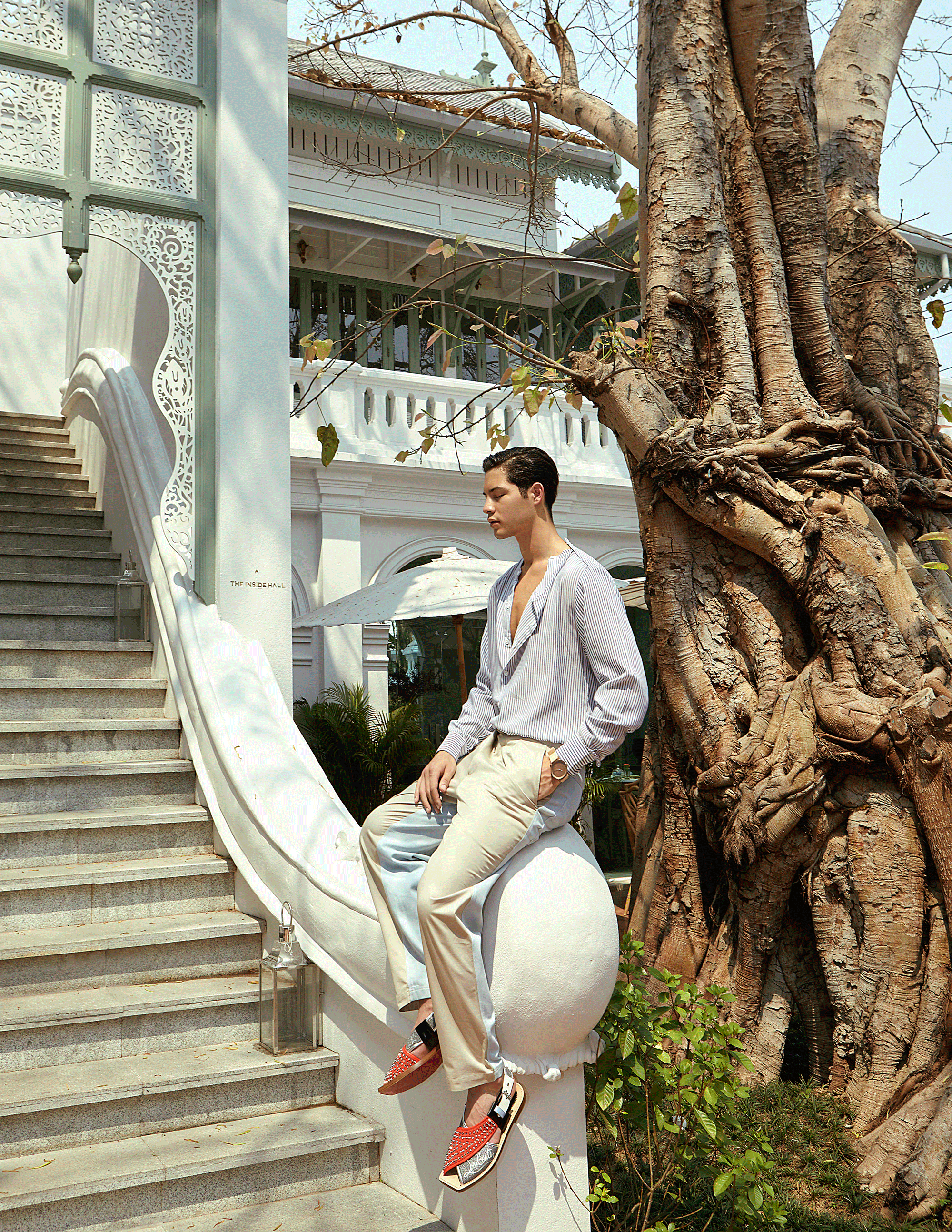 clothes : Leisure Projects / sandals : Christian Louboutin