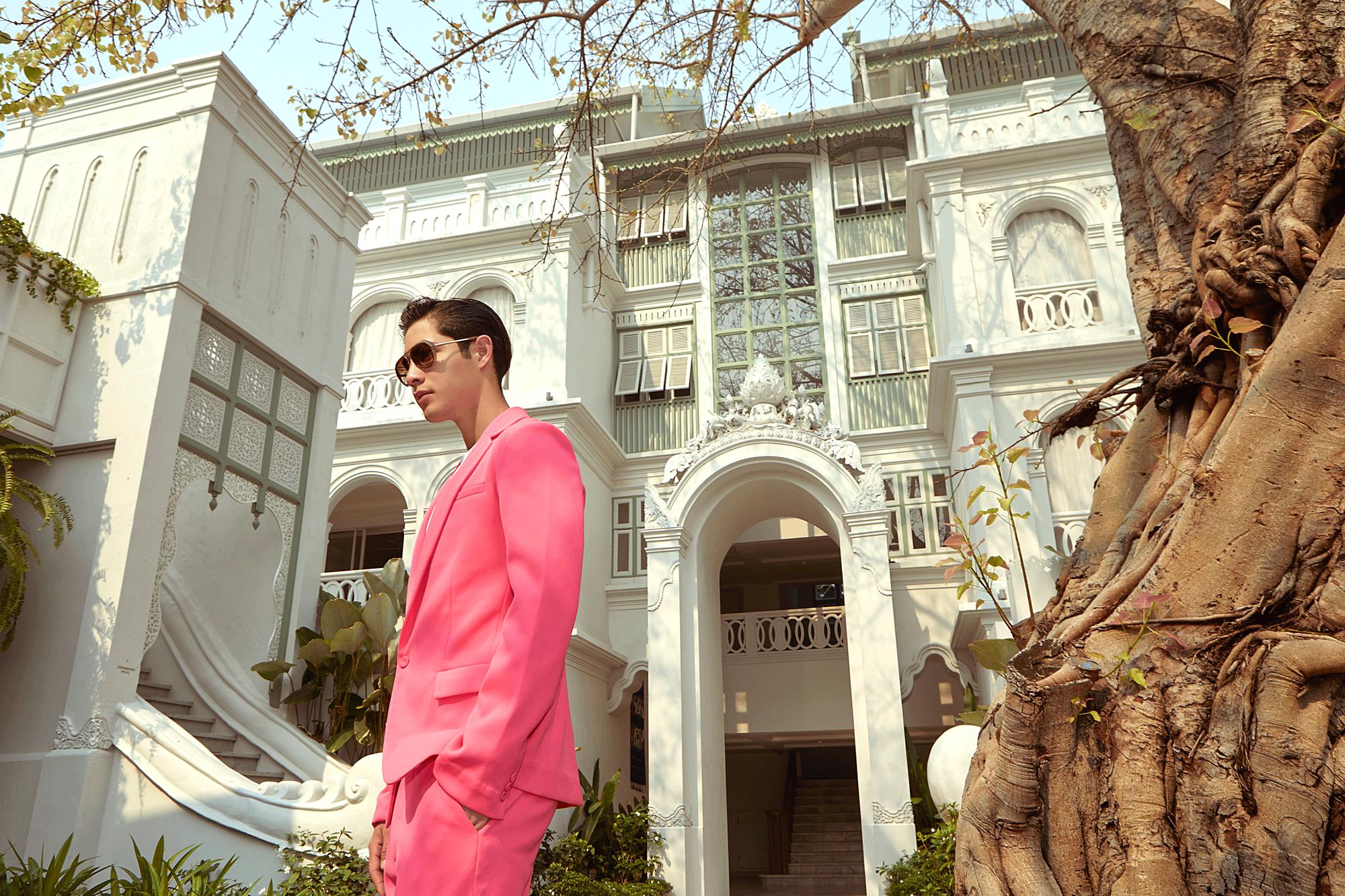clothes : SARIT / sunglasses : Blake Kuwahara